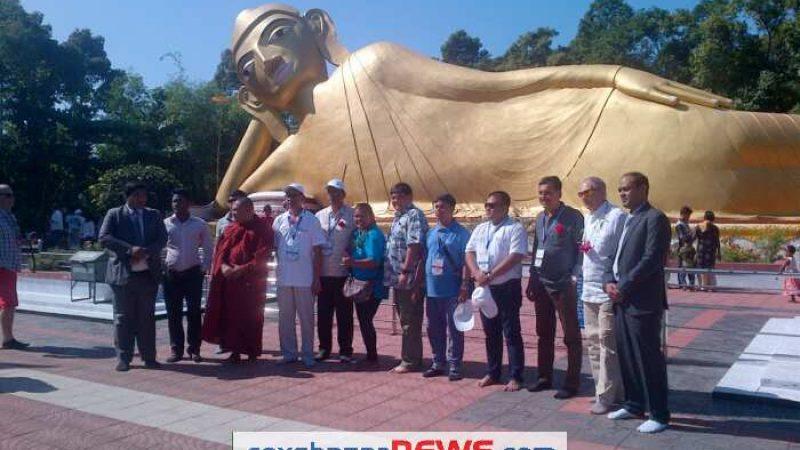 রামুর বৌদ্ধ নিদর্শন দেখে  অভিভূত পর্যটন প্রতিনিধি দল