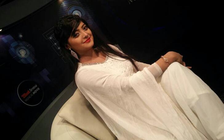 salma-singer-1.jpg